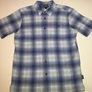 Patagonia Men's button down short sleeve Size L